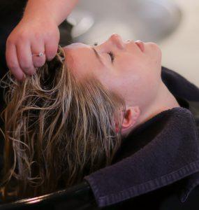 Umývání vlasů